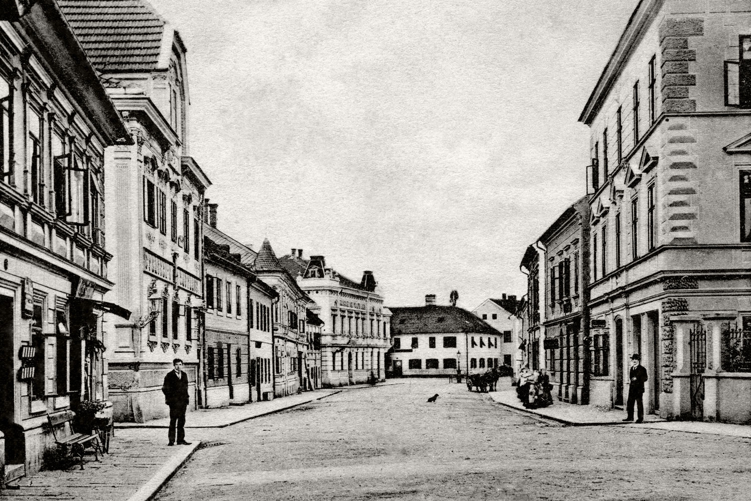 The Roßmarkt in the centre of town at the time of Franz Pöttinger, who bought house number 25.