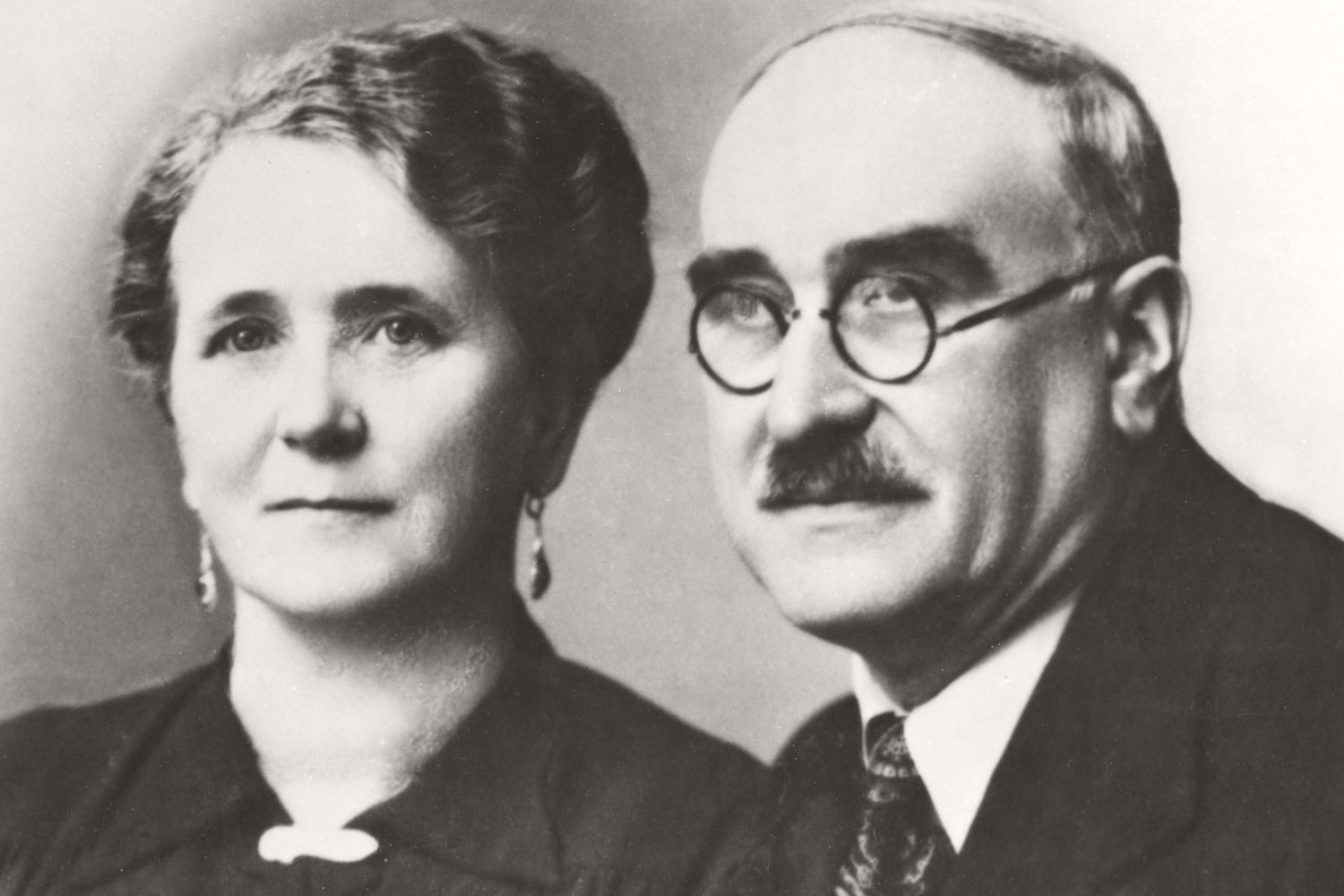 The second Pöttinger generation at Roßmarkt: Elisabeth and Alois, the founder of the company as we know it today.
