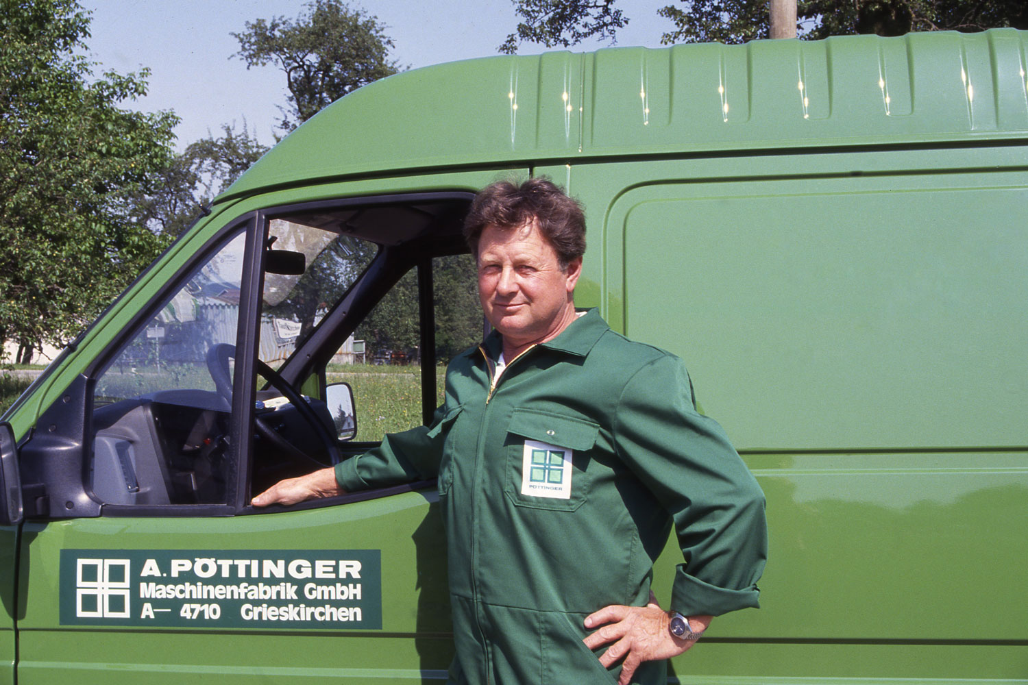 Go on green: PÖTTINGER customer services on the road.