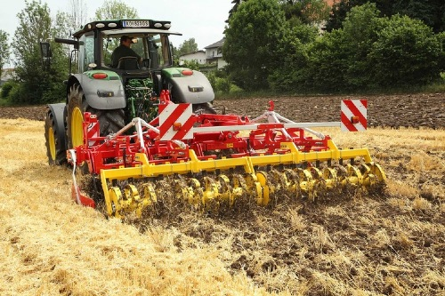New rear rollers for PÖTTINGER stubble cultivators and compact disc harrows