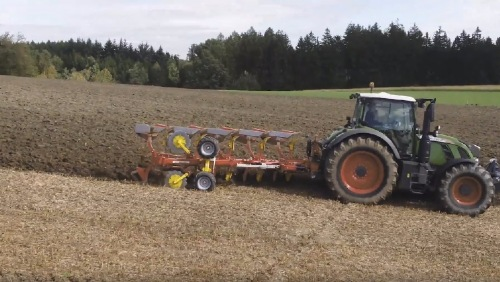 New video: SERVO 45 M plough