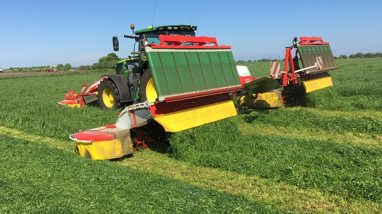 Impressions from the first cut: PÖTTINGER harvesting technology in action worldwide
