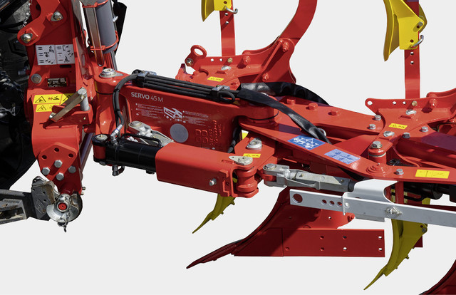 Beam pivot system available on standard ploughs