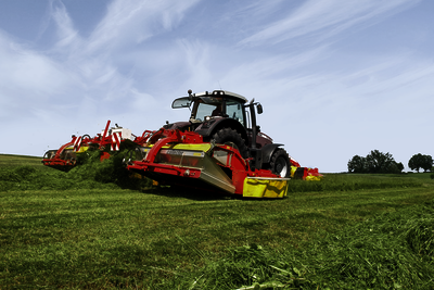 NOVACAT X Mower combinations with centre pivot suspension